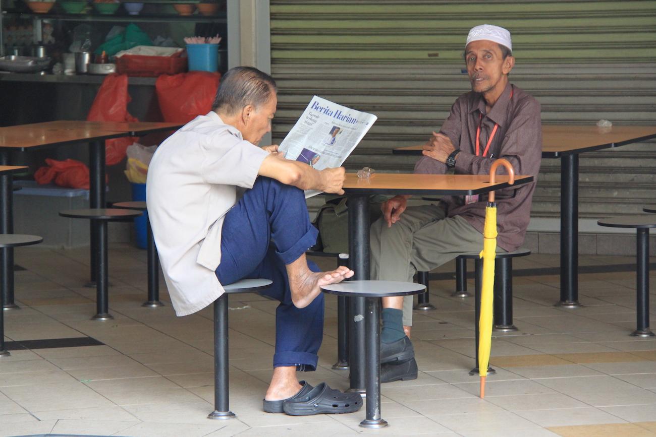 Armchair Traveller: Hawker Centre, Singapore – Still Not ...